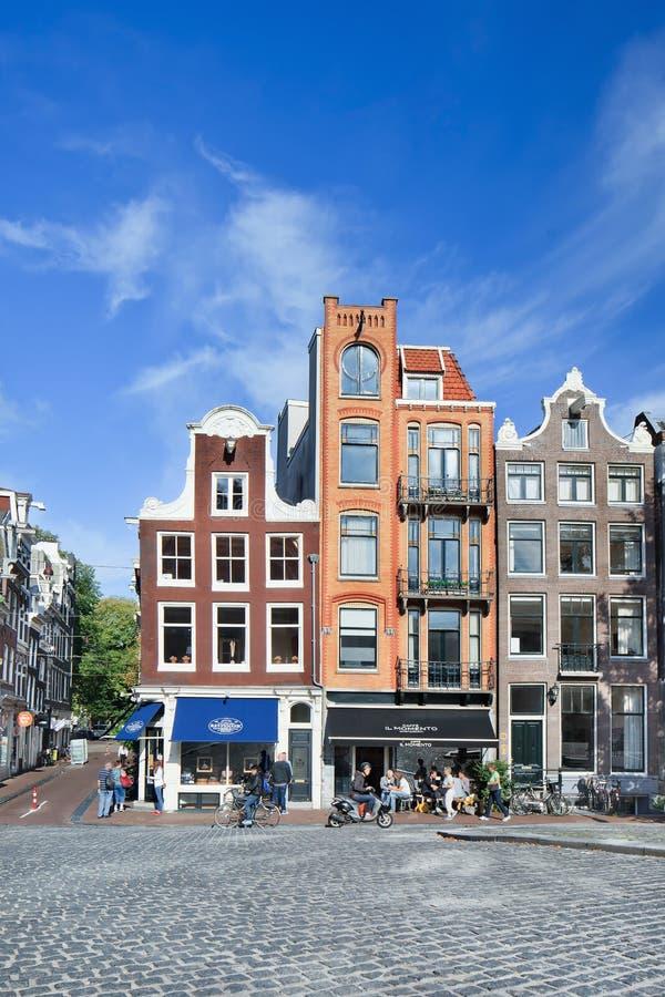 Alte Villen und Kopfsteine, Amsterdam, die Niederlande lizenzfreie stockfotos