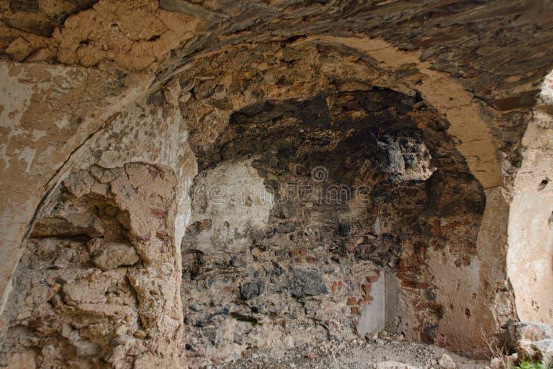 alte Wände von einer Schlossruine lizenzfreie stockfotos