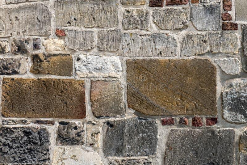 Alte Wand der Kirche Sint Pancratius stockbilder