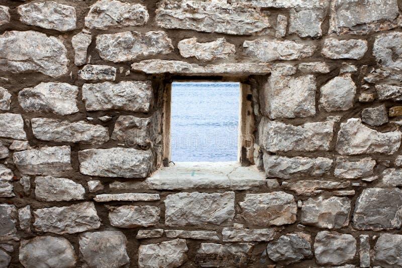 Alte Wand mit Fenster lizenzfreie stockfotografie