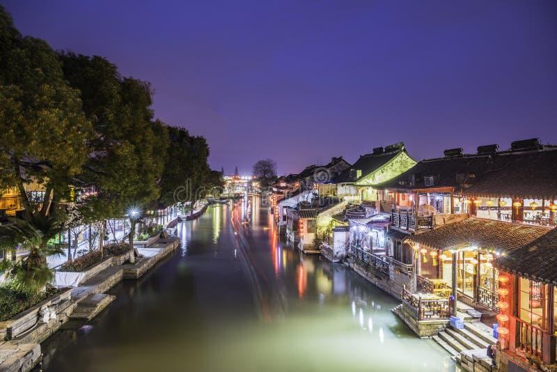 Alte Watertown Landschaft Xitang nachts lizenzfreie stockfotos