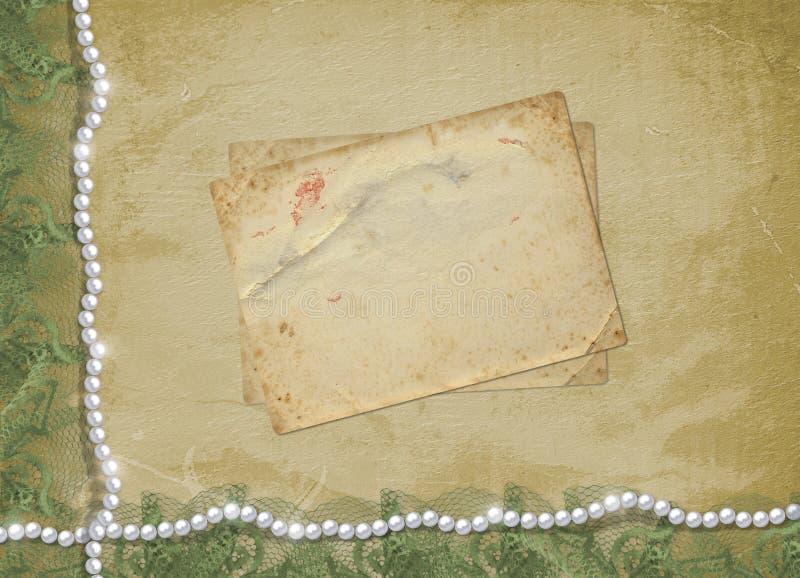 Alte Weinlesepostkarte für Glückwünsche oder Einladungen zum Feiertag mit Perlen stockfotos