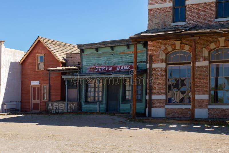 Alte wilde Weststadtfilmbühne im Mescal, Arizona lizenzfreie stockbilder