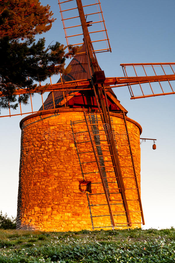 Alte Windmühle in Provence, Frankreich stockfotografie