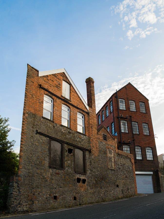 Alte Ziegelstein-Fabrik in Bristol stockbild