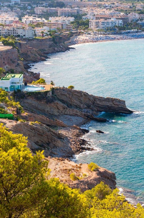 Altea, una ciudad en la costa mediterr?nea de la costa blanca, un destino tur?stico en Espa?a imagen de archivo libre de regalías