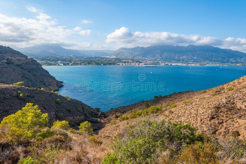Altea, una ciudad en la costa mediterr?nea de la costa blanca, un destino tur?stico en Espa?a fotografía de archivo libre de regalías