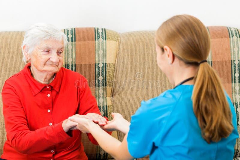 Altenpflege lizenzfreie stockfotos