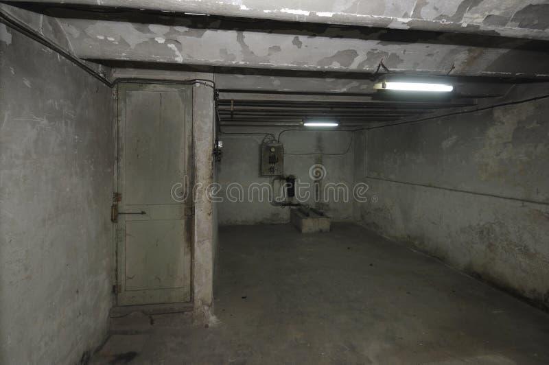 Download Alter überholter Raum Im Keller Eines Hauses Mit Stockfoto   Bild  Von Dunkel, Haus