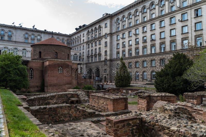 Alter arch?ologischer Komplex und Kirche von St George, Sofia, Bulgarien lizenzfreie stockbilder