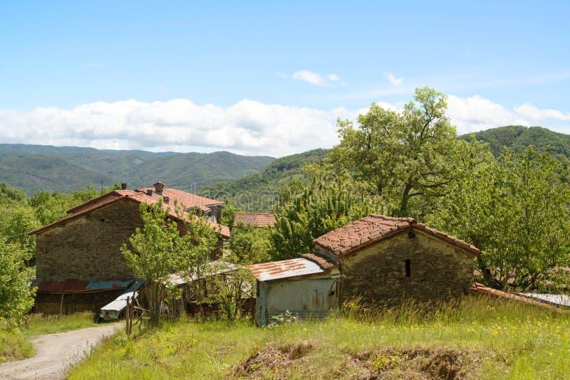 Alter Bauernhof in Ligurien, Italien stockbild
