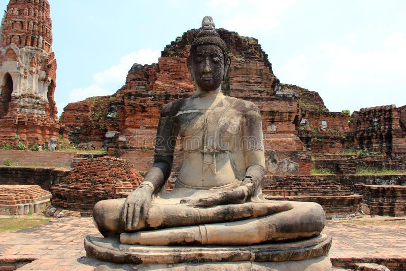 Alter Buddha an Watyaichaimongkol-Tempel in Ayudhaya, Th stockbilder