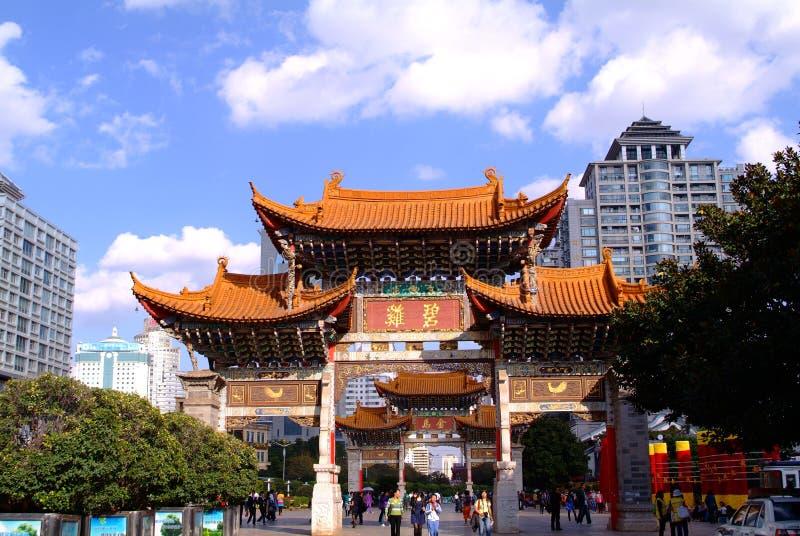 Alter chinesischer Bogen lizenzfreies stockfoto