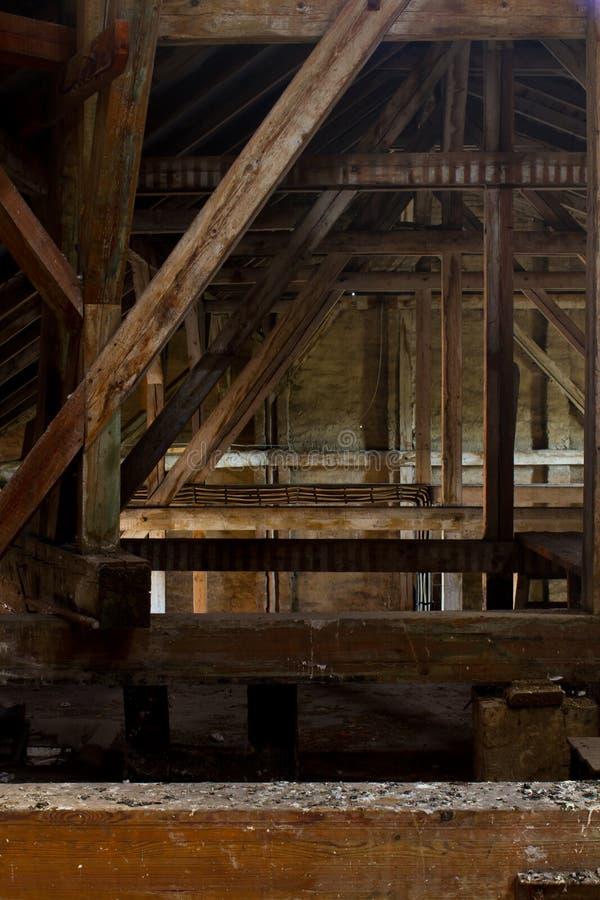 Alter Dachboden lizenzfreie stockfotografie