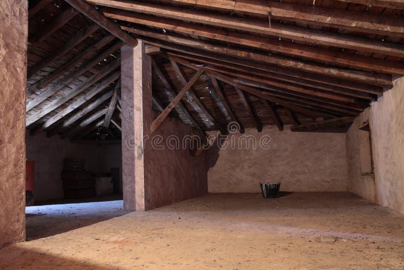 Alter Dachboden lizenzfreies stockbild