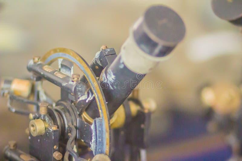 Alter Erforschungstheodolit der Weinlese, ein Feinmeßgerät für m lizenzfreies stockbild