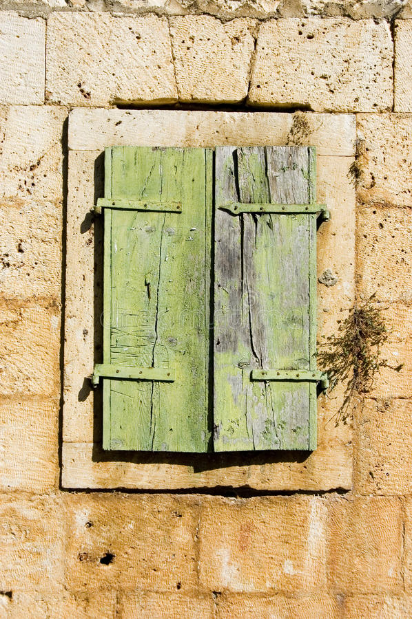 Alter Fensterblendenverschluß Kroatien lizenzfreies stockbild