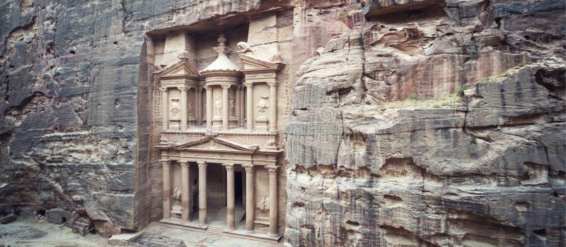alter Fiskus in Petra Jordan gesehen vom Siq Ansicht von der Oberseite Hauptanziehungskraft der verlorenen Stadt von PETRA in Jor stockbild