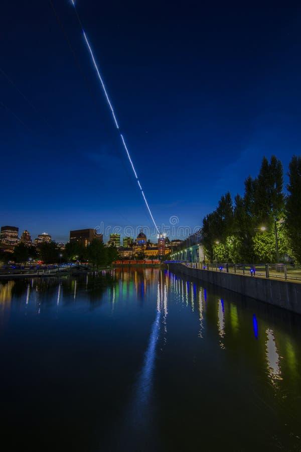Alter Hafen Montreals nachts lizenzfreies stockbild