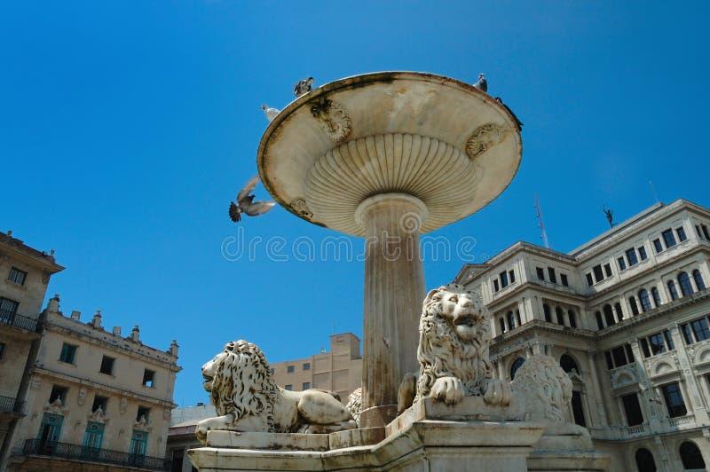 Alter Havana-Park mit Brunnen lizenzfreie stockfotografie