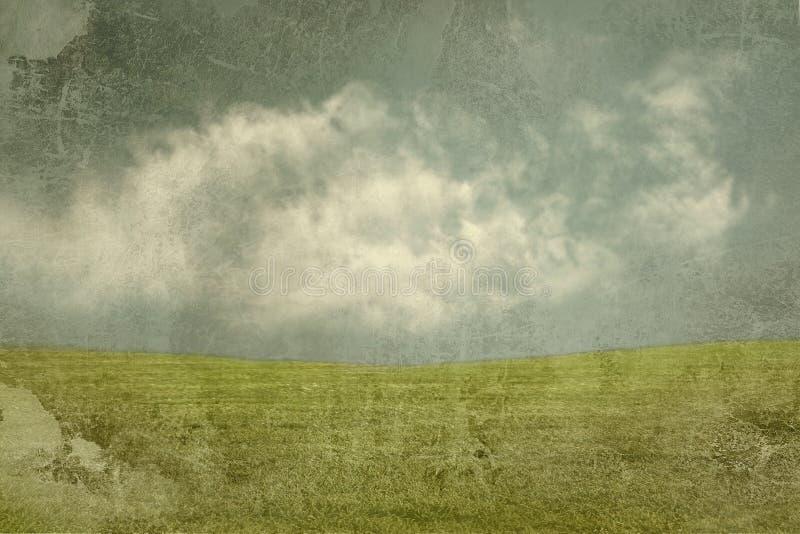 Alter Hintergrund des blauen Himmels und des grünen Grases lizenzfreie abbildung
