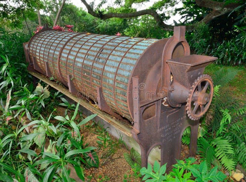 Alter industrieller Kaffeeröster in Hawaii lizenzfreie stockbilder