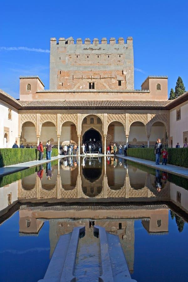 Alter Kontrollturm im Alhambra-Palast in Spanien stockbild