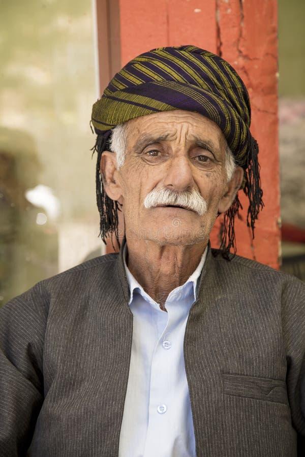 Alter kurdischer Mann stockfoto