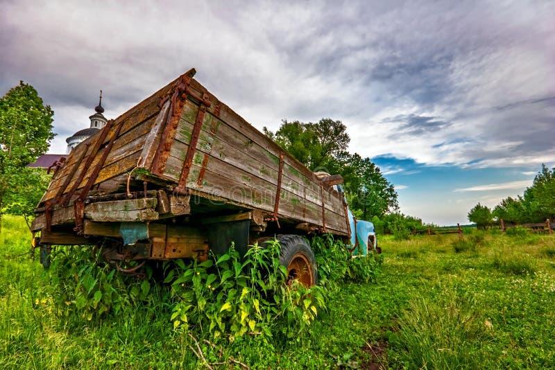 Alter Lastwagen lizenzfreie stockfotografie