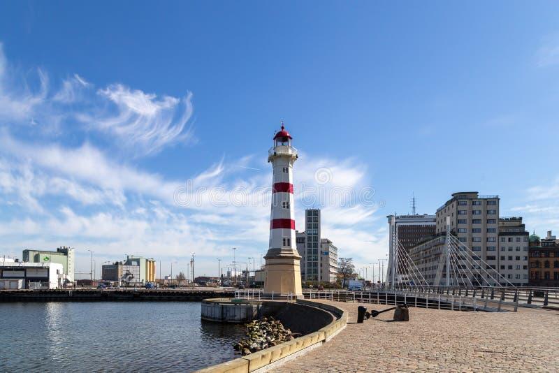 Alter Leuchtturm im Malmö-Stadt-Hafen lizenzfreies stockfoto