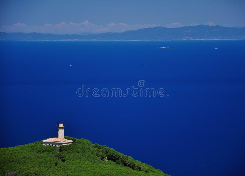 Alter Leuchtturm verließ seaview, Giglio-Insel, Toskana, Italien stockfotos