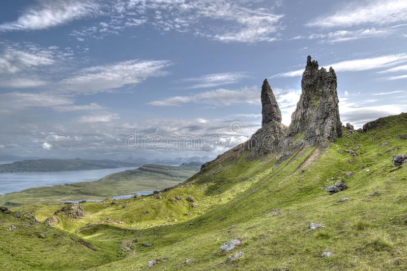 Alter Mann von Storr-Insel von Skye Scotland HDR lizenzfreie stockfotos