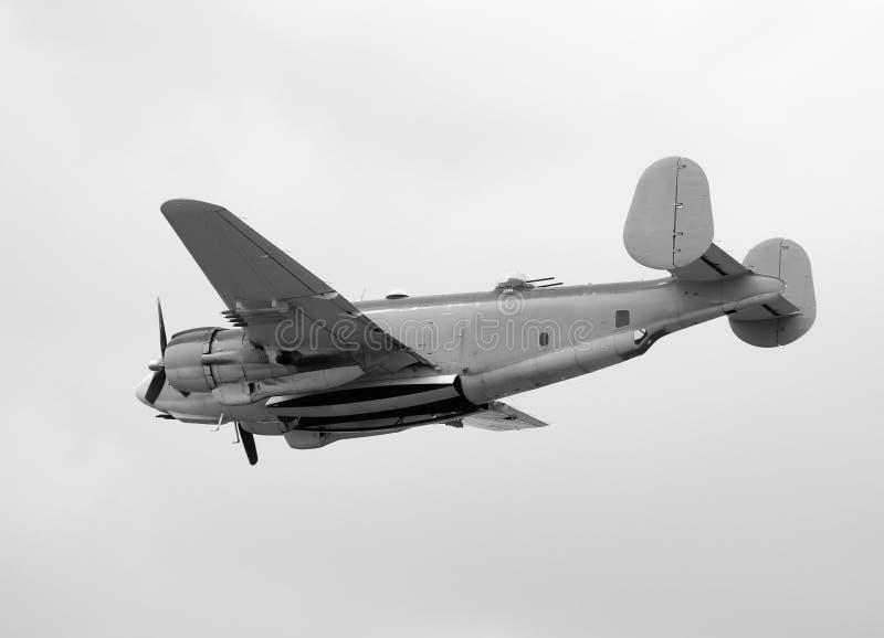 Alter Marinebomber lizenzfreie stockbilder