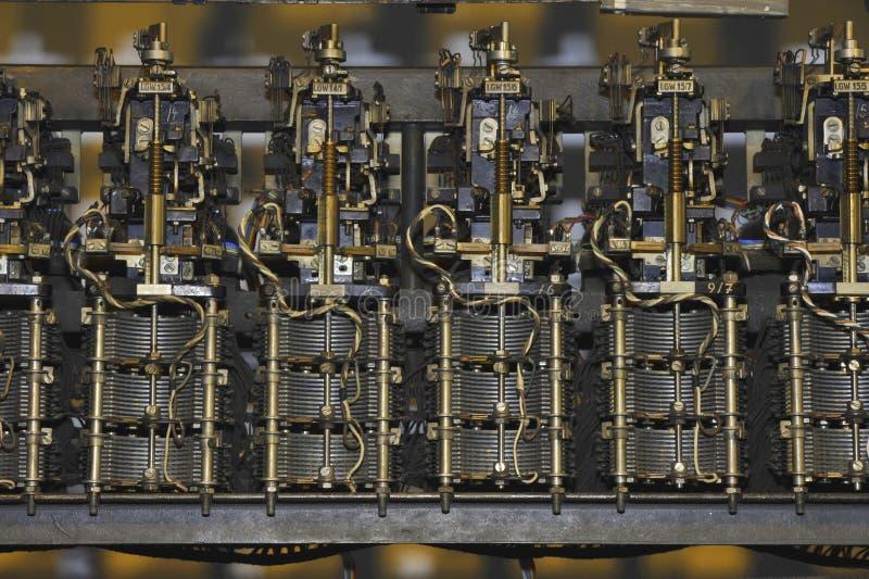 Alter mechanischer Telefon-Schalter stockbilder