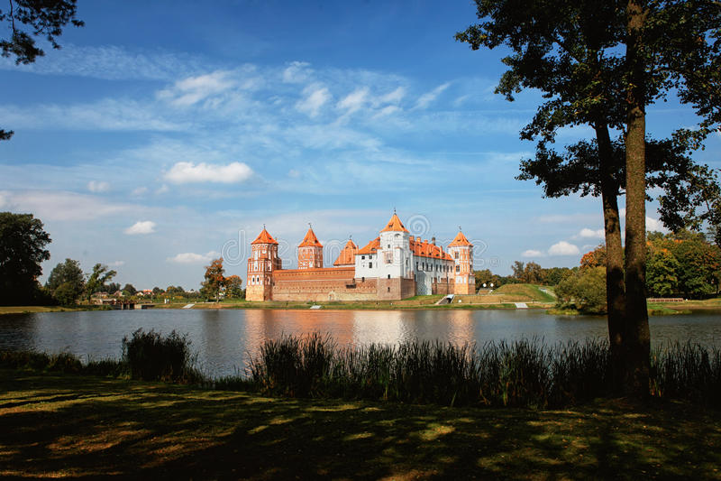 Alter Mir Castle lizenzfreies stockfoto