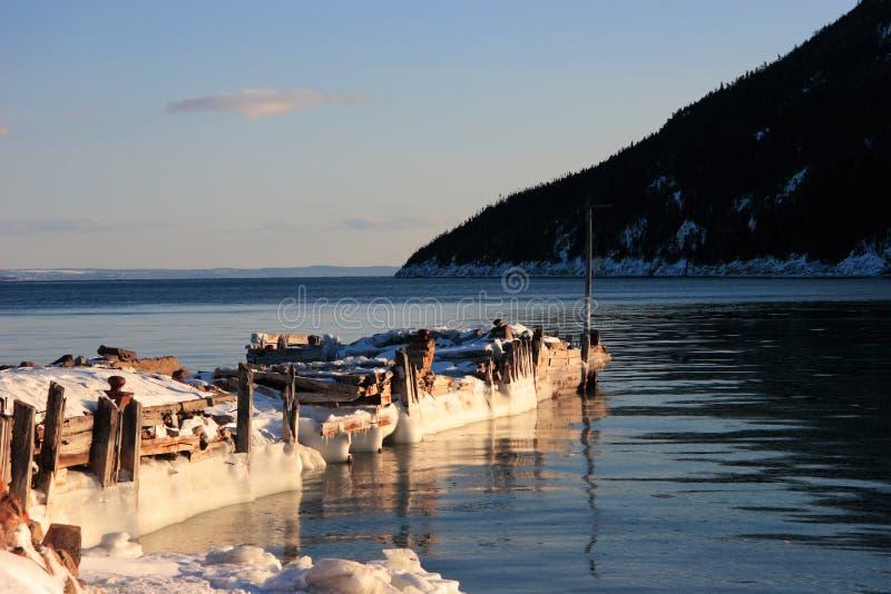 Alter Pier im Winter   stockbilder