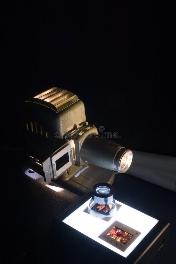 Alter Projektor u. Plättchen lizenzfreie stockfotos