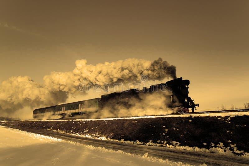 Alter Retro- Dampfzug lizenzfreie stockfotos