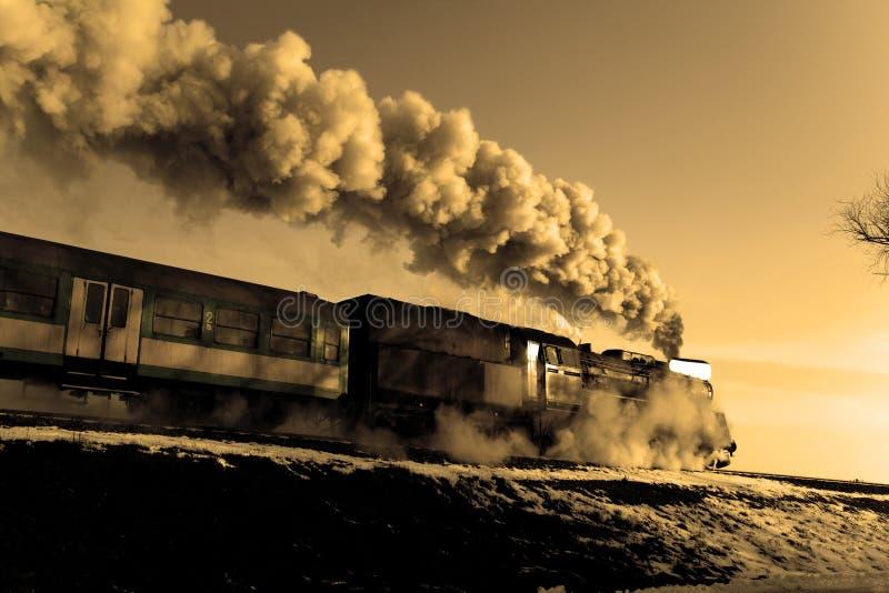 Alter Retro- Dampfzug stockfotos