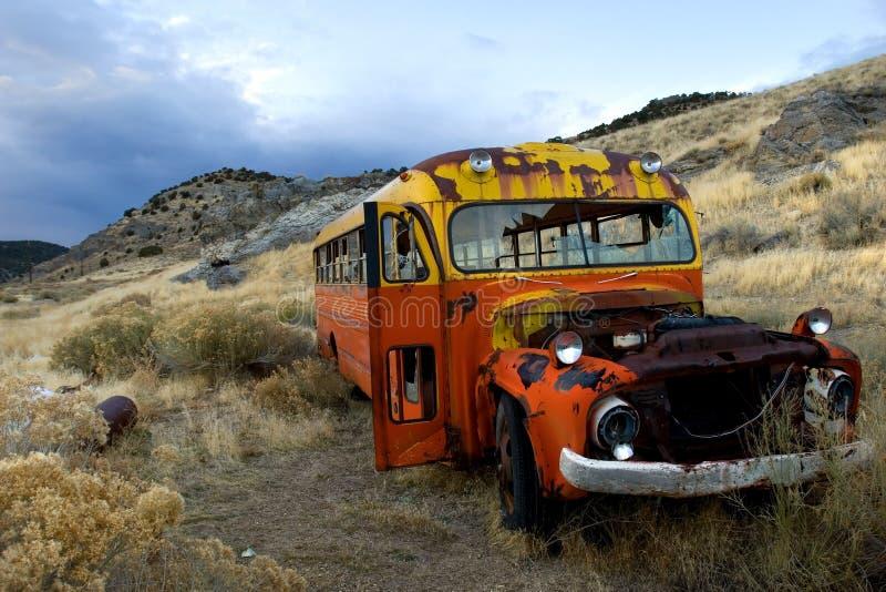 Alter rostiger Bus lizenzfreie stockfotos