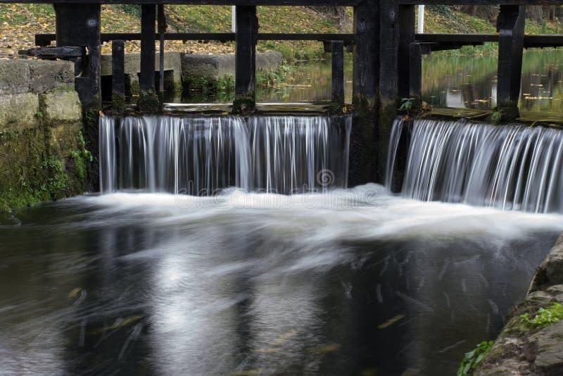 Alter Schleusentor auf Grand Canal, Dublin, Irland stockfotografie