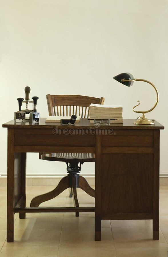 alter schreibtisch stockfoto bild von umgearbeitet gesch ft 4108466. Black Bedroom Furniture Sets. Home Design Ideas