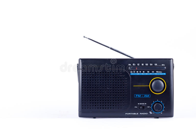 Alter schwarzer Weinleseretrostil morgens, Transistor-Empfänger portablen Radios FMs auf dem weißen Hintergrund lokalisiert lizenzfreies stockfoto