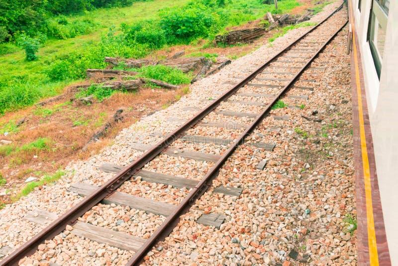 Alter Transport der Eisenbahnlinie Eisenbahnbahnstation lizenzfreie stockfotos