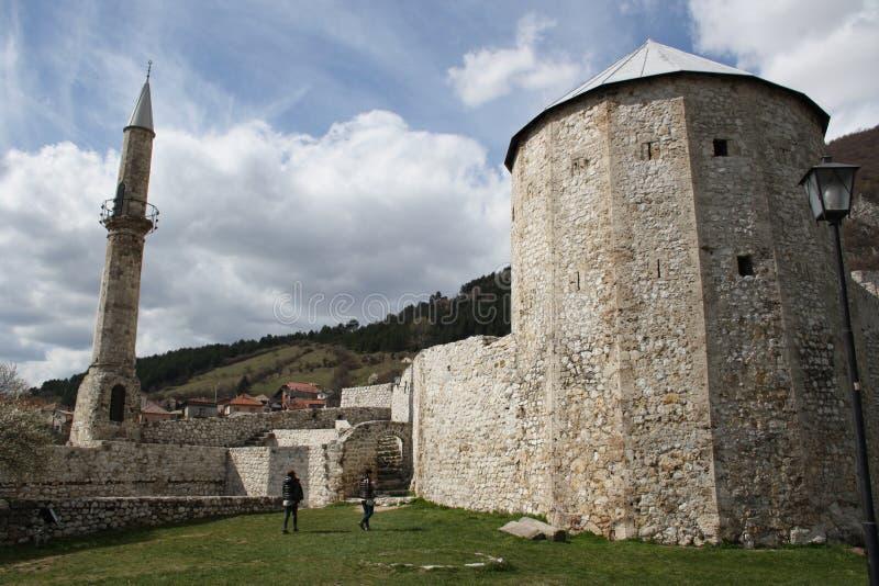 Alter Turm in der Stadt von Travnik stockbild