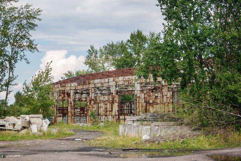Alter verlassener Hangar stockfoto