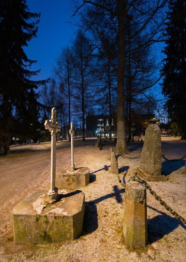 Alter verlassener Kirchhof in Finnland lizenzfreies stockbild