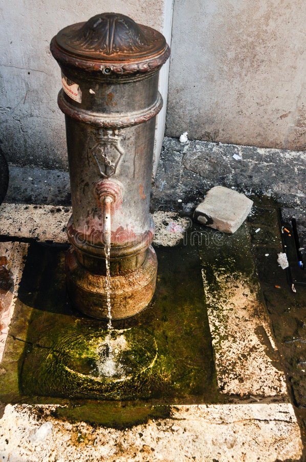 Alter Wasserhydrant stockbild
