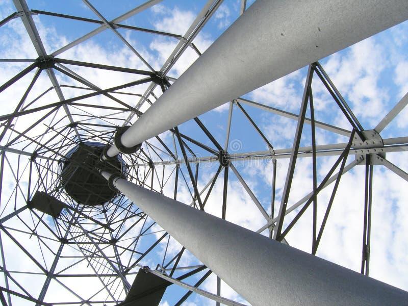 Download Alter Wasserkontrollturm stockfoto. Bild von blau, rohr - 850446