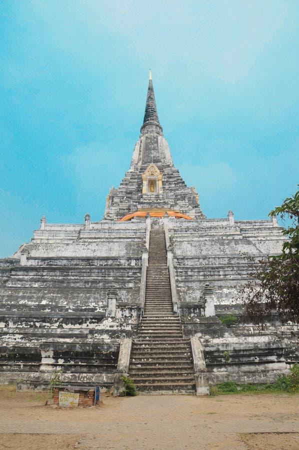 Alter Wat Phu Khao Thong-Tempel in Thailand stockbild